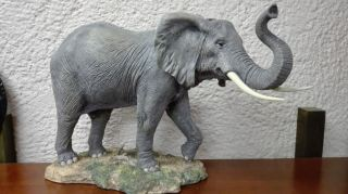 Elefante resina 46 cm.