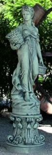 Figura Cordobesa con pedestal