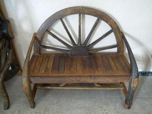 Banco madera rueda